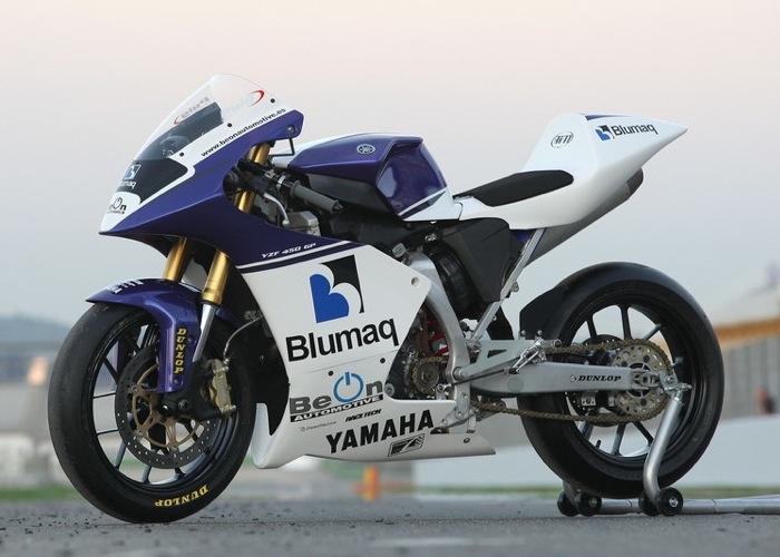 Yamaha YZF 450 con KIT 450 GP